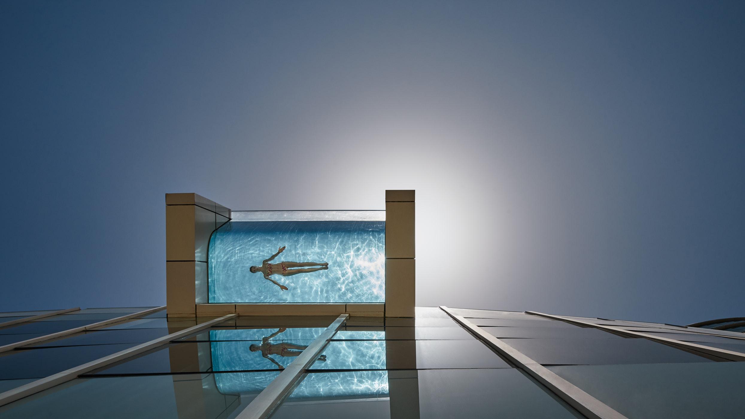 Infinity pool. Intercontinental Dubai.