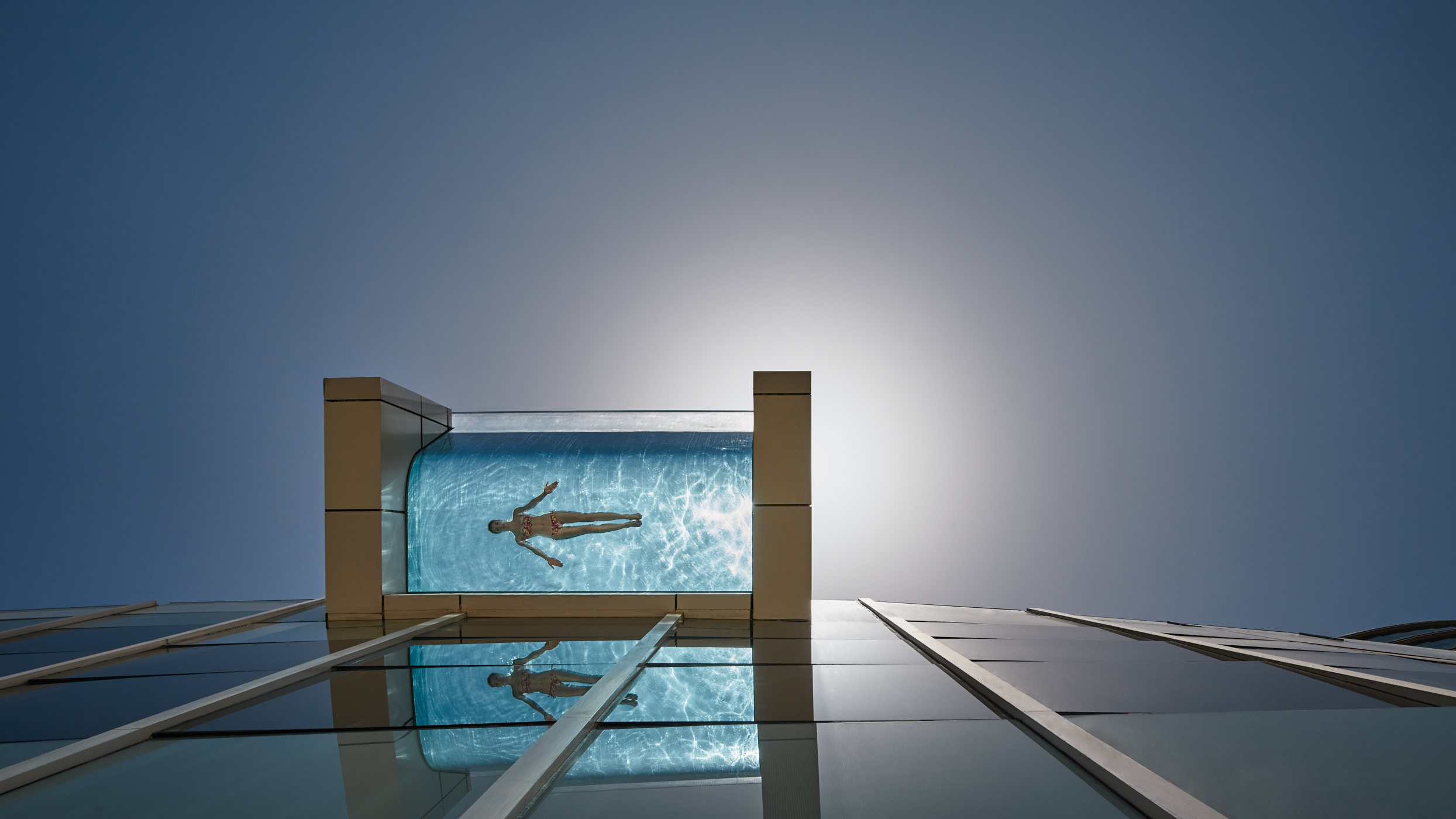 Infinity pool. Intercontinental Dubai.
